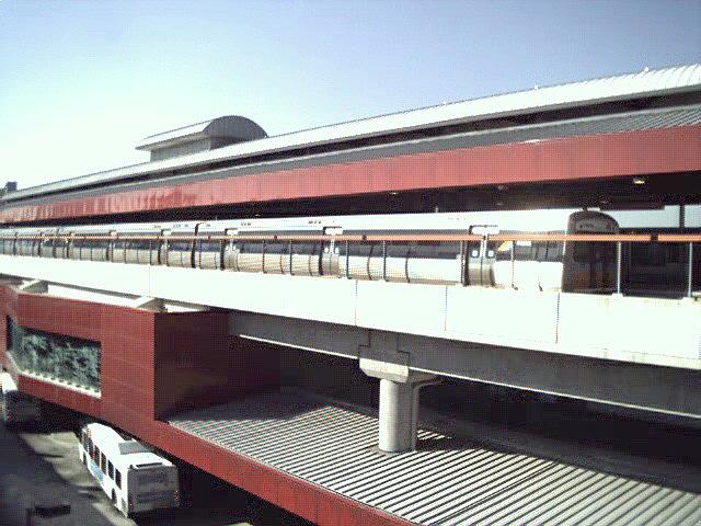 (120k, 640x480)<br><b>Country:</b> United States<br><b>City:</b> Atlanta, GA<br><b>System:</b> MARTA<br><b>Line:</b> North Springs Branch <br><b>Location:</b> Dunwoody <br><b>Photo by:</b> Robert Ferreira<br><b>Date:</b> 2000<br><b>Viewed (this week/total):</b> 1 / 3298