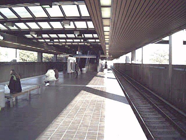 (81k, 640x480)<br><b>Country:</b> United States<br><b>City:</b> Atlanta, GA<br><b>System:</b> MARTA<br><b>Line:</b> East-West Line <br><b>Location:</b> Edgewood/Candler Park <br><b>Photo by:</b> Robert Ferreira<br><b>Viewed (this week/total):</b> 0 / 2092