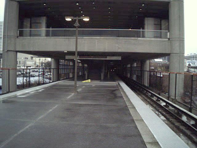 (102k, 640x480)<br><b>Country:</b> United States<br><b>City:</b> Atlanta, GA<br><b>System:</b> MARTA<br><b>Line:</b> North-South Line <br><b>Location:</b> Garnett <br><b>Photo by:</b> Robert Ferreira<br><b>Date:</b> 2000<br><b>Viewed (this week/total):</b> 0 / 2109