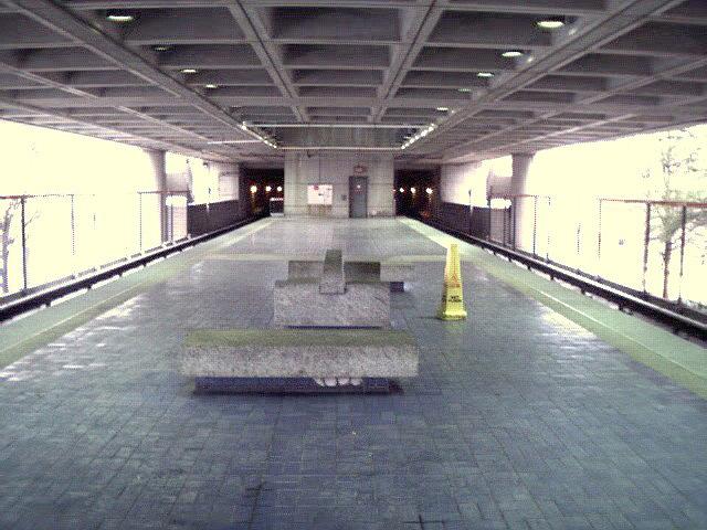 (112k, 640x480)<br><b>Country:</b> United States<br><b>City:</b> Atlanta, GA<br><b>System:</b> MARTA<br><b>Line:</b> North-South Line <br><b>Location:</b> Garnett <br><b>Photo by:</b> Robert Ferreira<br><b>Date:</b> 2000<br><b>Viewed (this week/total):</b> 1 / 2115