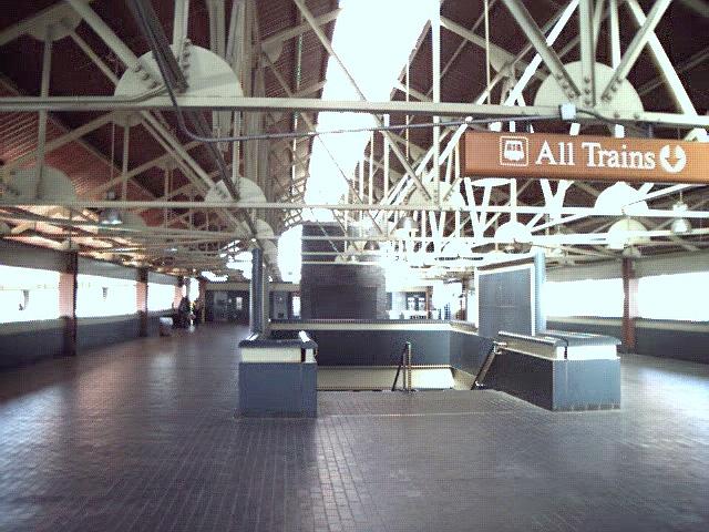 (192k, 640x480)<br><b>Country:</b> United States<br><b>City:</b> Atlanta, GA<br><b>System:</b> MARTA<br><b>Line:</b> North-South Line <br><b>Location:</b> Lakewood/Ft. McPherson <br><b>Photo by:</b> Robert Ferreira<br><b>Date:</b> 1/4/2001<br><b>Viewed (this week/total):</b> 0 / 2031