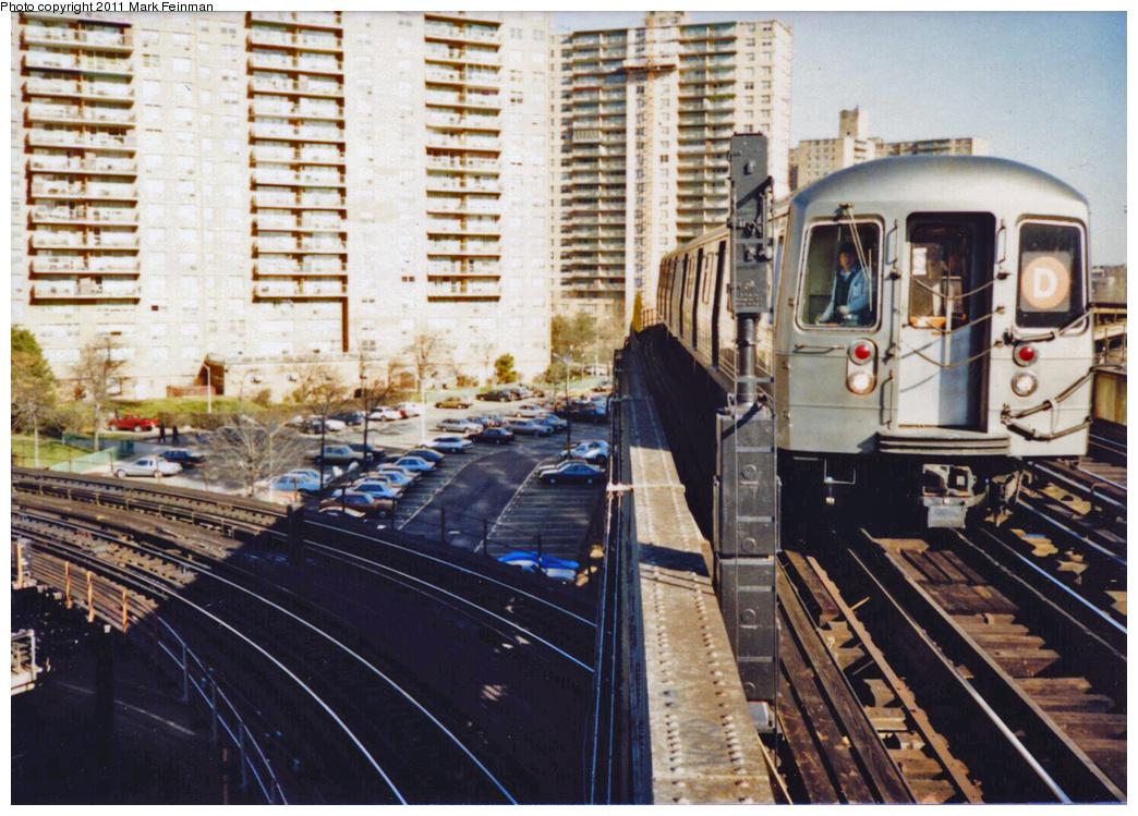 (442k, 1044x749)<br><b>Country:</b> United States<br><b>City:</b> New York<br><b>System:</b> New York City Transit<br><b>Line:</b> BMT Brighton Line<br><b>Location:</b> West 8th Street <br><b>Route:</b> D<br><b>Car:</b> R-68/R-68A Series (Number Unknown)  <br><b>Photo by:</b> Mark S. Feinman<br><b>Date:</b> 11/22/1989<br><b>Viewed (this week/total):</b> 0 / 1993