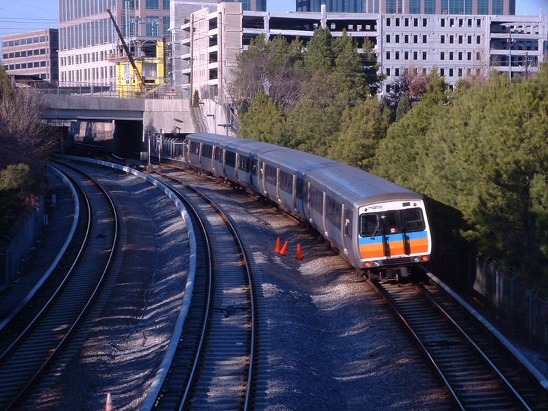 (204k, 800x600)<br><b>Country:</b> United States<br><b>City:</b> Atlanta, GA<br><b>System:</b> MARTA<br><b>Line:</b> North-South Line <br><b>Location:</b> Lindbergh Center <br><b>Photo by:</b> Robert Ferreira<br><b>Date:</b> 2/28/2002<br><b>Notes:</b> Northbound train approaching Lindbergh Center<br><b>Viewed (this week/total):</b> 0 / 3856