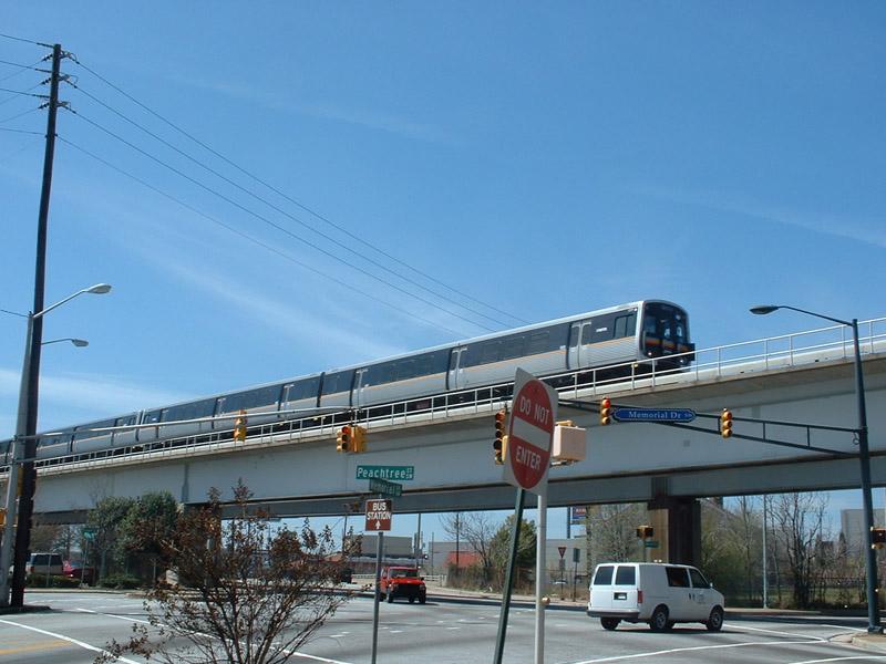 (138k, 800x600)<br><b>Country:</b> United States<br><b>City:</b> Atlanta, GA<br><b>System:</b> MARTA<br><b>Line:</b> North-South Line <br><b>Location:</b> Garnett <br><b>Photo by:</b> Robert Ferreira<br><b>Date:</b> 3/14/2002<br><b>Notes:</b> Northbound train approaching Garnett<br><b>Viewed (this week/total):</b> 0 / 5079