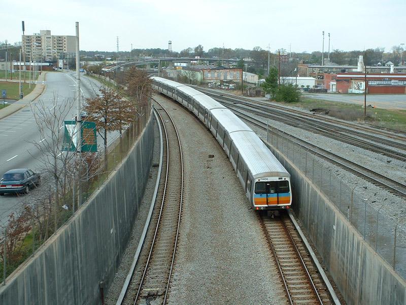(206k, 800x600)<br><b>Country:</b> United States<br><b>City:</b> Atlanta, GA<br><b>System:</b> MARTA<br><b>Line:</b> North-South Line <br><b>Location:</b> East Point <br><b>Photo by:</b> Robert Ferreira<br><b>Date:</b> 3/29/2002<br><b>Notes:</b> Northbound train north of East Point<br><b>Viewed (this week/total):</b> 2 / 3227