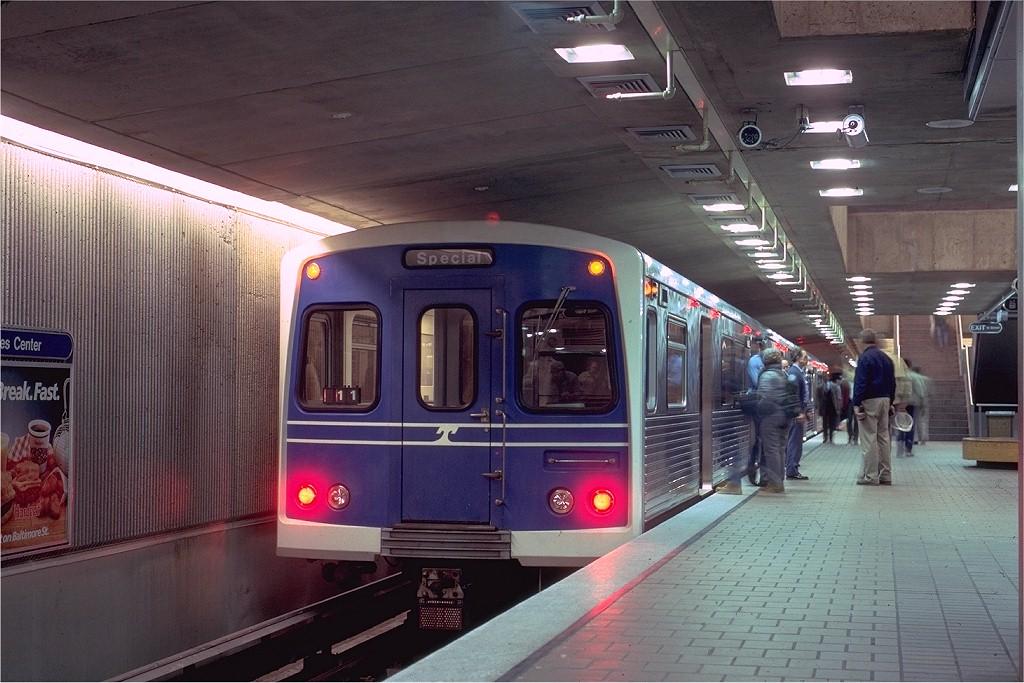 (201k, 1024x683)<br><b>Country:</b> United States<br><b>City:</b> Baltimore, MD<br><b>System:</b> MTA (Maryland)<br><b>Line:</b> Baltimore Subway<br><b>Location:</b> Charles Center<br><b>Car:</b>  127 <br><b>Photo by:</b> Eric Oszustowicz<br><b>Collection of:</b> Joe Testagrose<br><b>Date:</b> 10/25/1986<br><b>Viewed (this week/total):</b> 1 / 9120