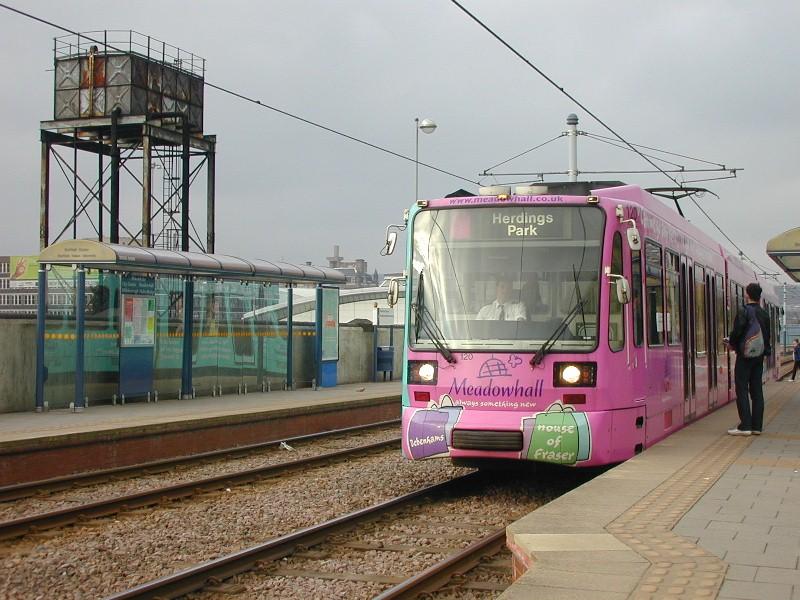 (147k, 800x600)<br><b>Country:</b> United Kingdom<br><b>City:</b> Sheffield<br><b>System:</b> Sheffield Supertram<br><b>Photo by:</b> Simon Billis<br><b>Date:</b> 6/5/2002<br><b>Viewed (this week/total):</b> 0 / 2909