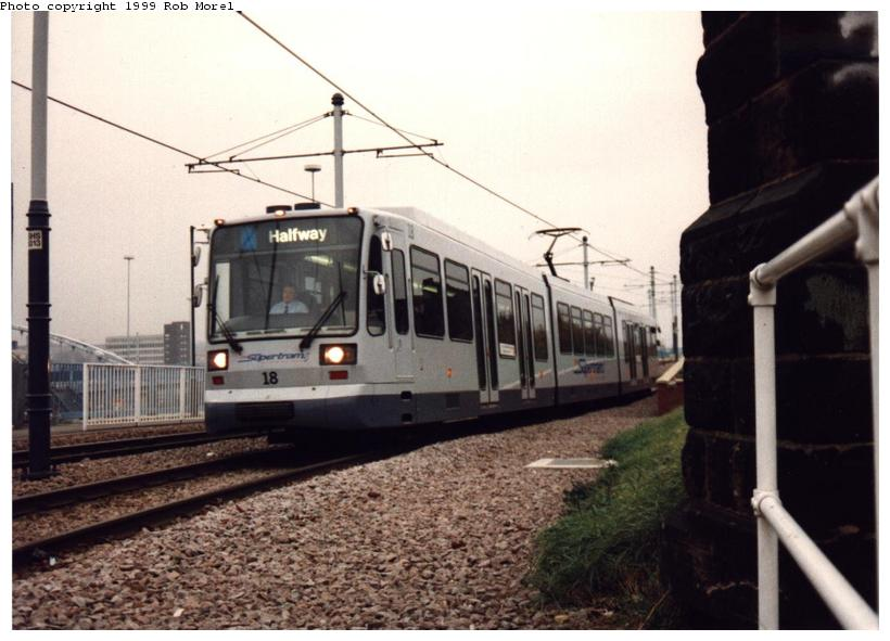 (68k, 820x591)<br><b>Country:</b> United Kingdom<br><b>City:</b> Sheffield<br><b>System:</b> Sheffield Supertram<br><b>Photo by:</b> Rob Morel<br><b>Date:</b> 9/26/1999<br><b>Viewed (this week/total):</b> 0 / 2644