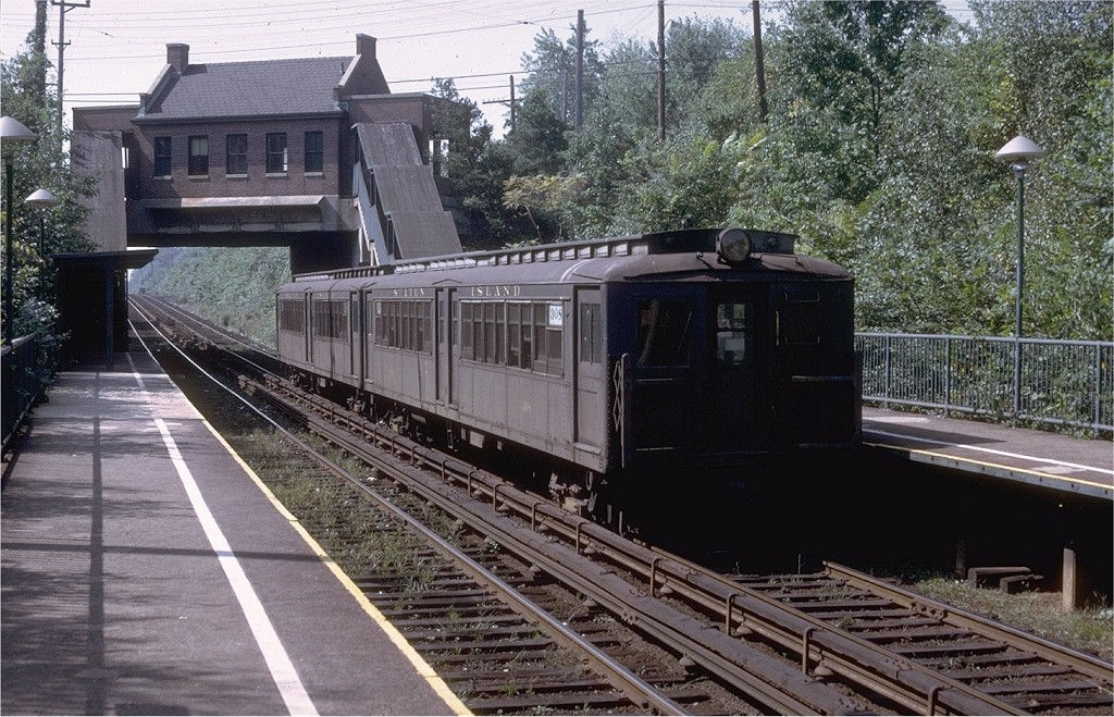 (255k, 1024x659)<br><b>Country:</b> United States<br><b>City:</b> New York<br><b>System:</b> New York City Transit<br><b>Line:</b> SIRT<br><b>Location:</b> Huguenot <br><b>Car:</b> SIRT ME-1 (Motor) 308 <br><b>Collection of:</b> Joe Testagrose<br><b>Date:</b> 9/17/1972<br><b>Viewed (this week/total):</b> 1 / 5362
