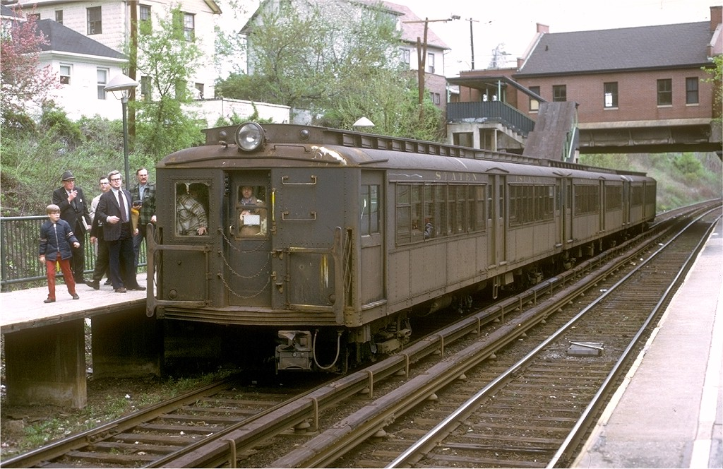 (234k, 1024x664)<br><b>Country:</b> United States<br><b>City:</b> New York<br><b>System:</b> New York City Transit<br><b>Line:</b> SIRT<br><b>Location:</b> Great Kills <br><b>Route:</b> Fan Trip<br><b>Car:</b> SIRT ME-1 (Motor) 346 <br><b>Collection of:</b> Joe Testagrose<br><b>Date:</b> 4/28/1973<br><b>Viewed (this week/total):</b> 0 / 5768