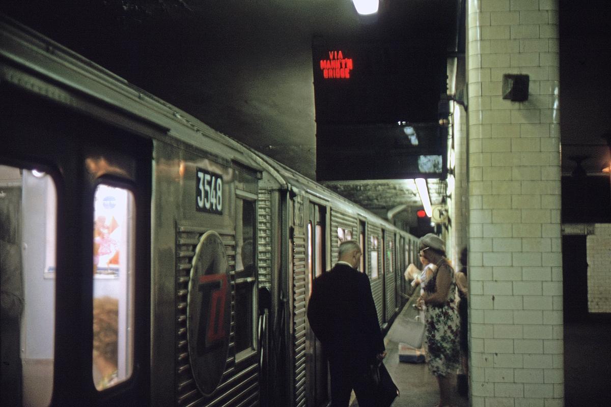 (317k, 1044x708)<br><b>Country:</b> United States<br><b>City:</b> New York<br><b>System:</b> New York City Transit<br><b>Line:</b> BMT Nassau Street/Jamaica Line<br><b>Location:</b> Chambers Street <br><b>Car:</b> R-32 (Budd, 1964)  3548 <br><b>Collection of:</b> David Pirmann<br><b>Viewed (this week/total):</b> 1 / 5153