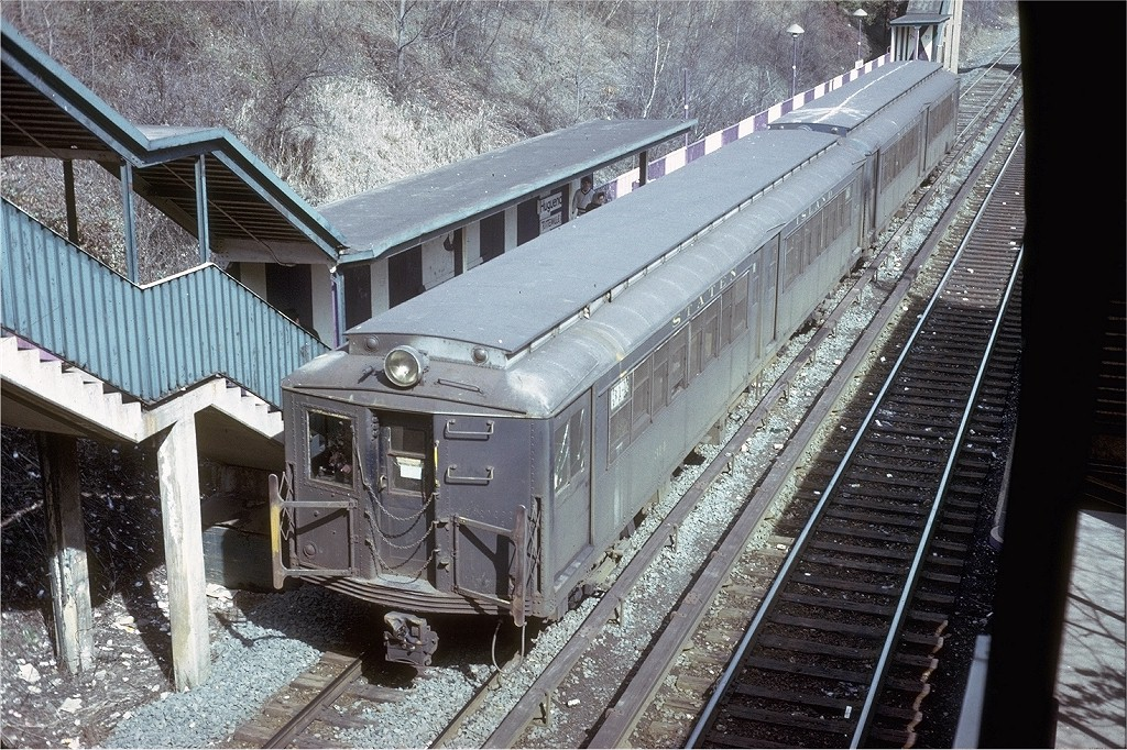 (291k, 1024x682)<br><b>Country:</b> United States<br><b>City:</b> New York<br><b>System:</b> New York City Transit<br><b>Line:</b> SIRT<br><b>Location:</b> Huguenot <br><b>Car:</b> SIRT ME-1 (Motor) 314 <br><b>Collection of:</b> Joe Testagrose<br><b>Date:</b> 3/10/1973<br><b>Viewed (this week/total):</b> 0 / 5537