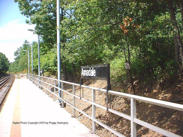 (119k, 640x480)<br><b>Country:</b> United States<br><b>City:</b> New York<br><b>System:</b> New York City Transit<br><b>Line:</b> SIRT<br><b>Location:</b> Annadale <br><b>Photo by:</b> Peggy Darlington<br><b>Date:</b> 6/2000<br><b>Viewed (this week/total):</b> 1 / 3332