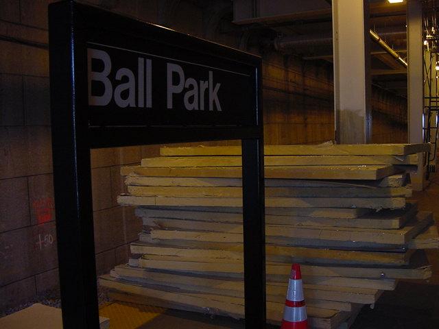 (57k, 640x480)<br><b>Country:</b> United States<br><b>City:</b> New York<br><b>System:</b> New York City Transit<br><b>Line:</b> SIRT<br><b>Location:</b> Ball Park <br><b>Photo by:</b> Daniel C. Boyar<br><b>Date:</b> 6/8/2001<br><b>Viewed (this week/total):</b> 3 / 4217
