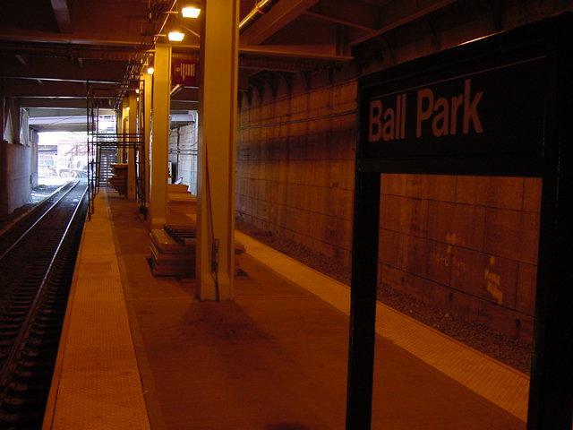 (40k, 640x480)<br><b>Country:</b> United States<br><b>City:</b> New York<br><b>System:</b> New York City Transit<br><b>Line:</b> SIRT<br><b>Location:</b> Ball Park <br><b>Photo by:</b> Daniel C. Boyar<br><b>Date:</b> 6/2001<br><b>Viewed (this week/total):</b> 1 / 4617
