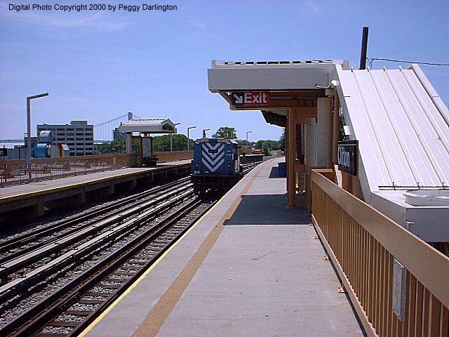 (84k, 640x480)<br><b>Country:</b> United States<br><b>City:</b> New York<br><b>System:</b> New York City Transit<br><b>Line:</b> SIRT<br><b>Location:</b> Clifton <br><b>Photo by:</b> Peggy Darlington<br><b>Date:</b> 6/2000<br><b>Viewed (this week/total):</b> 2 / 4212