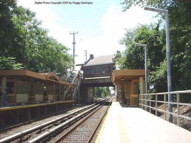 (99k, 640x480)<br><b>Country:</b> United States<br><b>City:</b> New York<br><b>System:</b> New York City Transit<br><b>Line:</b> SIRT<br><b>Location:</b> Huguenot <br><b>Photo by:</b> Peggy Darlington<br><b>Date:</b> 6/2000<br><b>Viewed (this week/total):</b> 3 / 4078