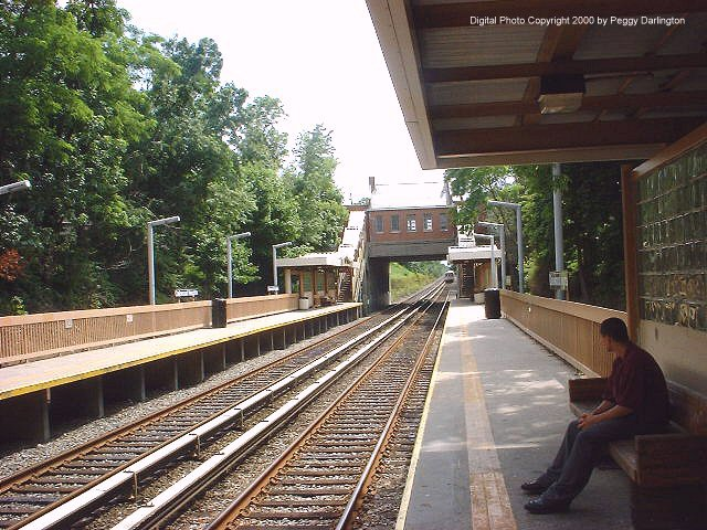 (100k, 640x480)<br><b>Country:</b> United States<br><b>City:</b> New York<br><b>System:</b> New York City Transit<br><b>Line:</b> SIRT<br><b>Location:</b> Oakwood Heights <br><b>Photo by:</b> Peggy Darlington<br><b>Date:</b> 6/2000<br><b>Viewed (this week/total):</b> 1 / 4697