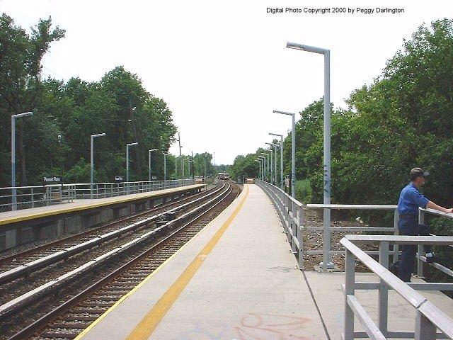 (84k, 640x480)<br><b>Country:</b> United States<br><b>City:</b> New York<br><b>System:</b> New York City Transit<br><b>Line:</b> SIRT<br><b>Location:</b> Pleasant Plains <br><b>Photo by:</b> Peggy Darlington<br><b>Date:</b> 6/2000<br><b>Viewed (this week/total):</b> 0 / 3606