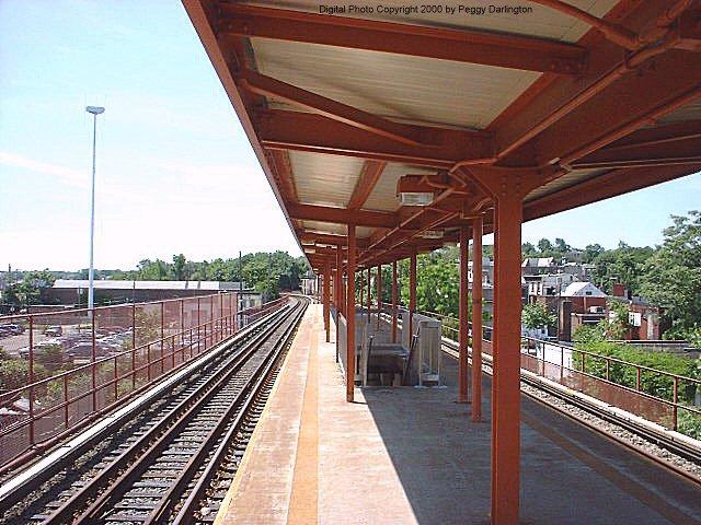 (94k, 640x480)<br><b>Country:</b> United States<br><b>City:</b> New York<br><b>System:</b> New York City Transit<br><b>Line:</b> SIRT<br><b>Location:</b> Stapleton <br><b>Photo by:</b> Peggy Darlington<br><b>Date:</b> 6/2000<br><b>Viewed (this week/total):</b> 7 / 4920