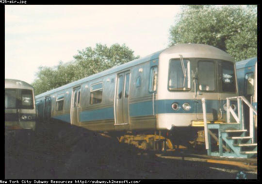 (37k, 540x379)<br><b>Country:</b> United States<br><b>City:</b> New York<br><b>System:</b> New York City Transit<br><b>Line:</b> SIRT<br><b>Location:</b> Tottenville <br><b>Car:</b> R-44 SIRT (St. Louis, 1971-1973) 426 <br><b>Date:</b> 8/1976<br><b>Viewed (this week/total):</b> 0 / 6372