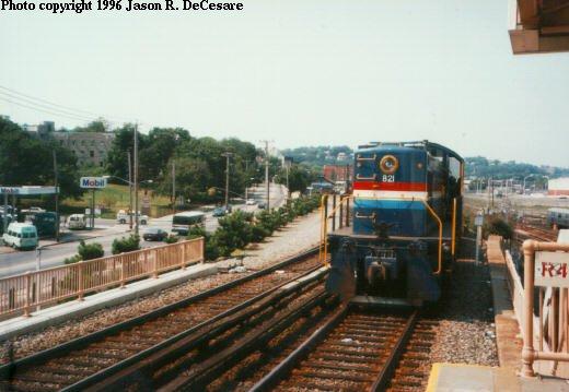 (40k, 520x359)<br><b>Country:</b> United States<br><b>City:</b> New York<br><b>System:</b> New York City Transit<br><b>Line:</b> SIRT<br><b>Location:</b> Clifton <br><b>Car:</b> Locomotive 821 <br><b>Photo by:</b> Jason R. DeCesare<br><b>Viewed (this week/total):</b> 6 / 5400