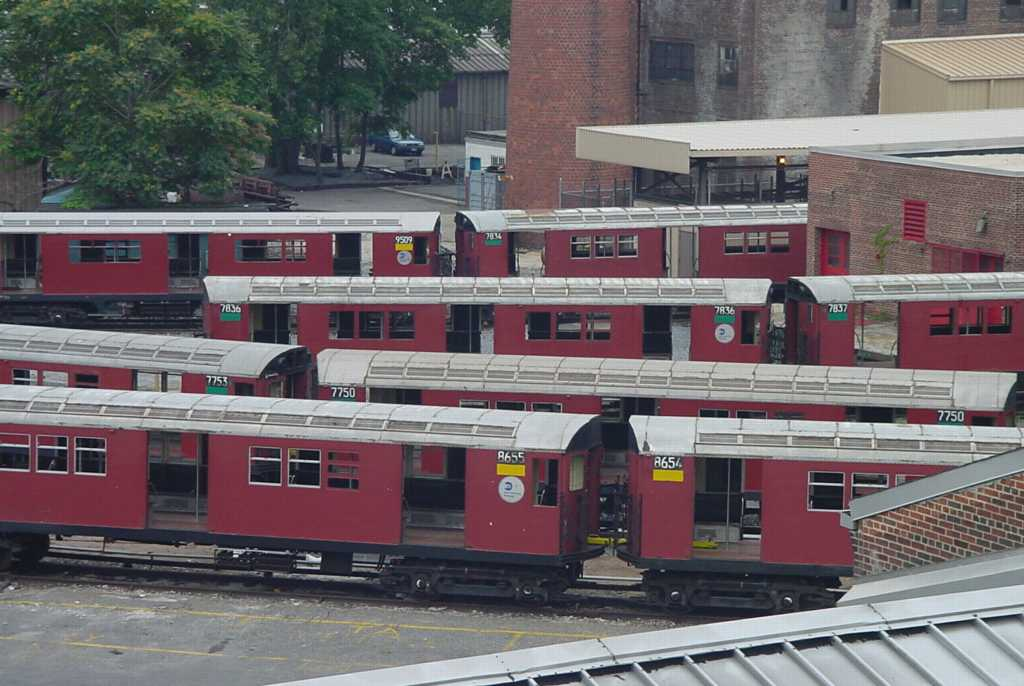 (86k, 1024x686)<br><b>Country:</b> United States<br><b>City:</b> New York<br><b>System:</b> New York City Transit<br><b>Location:</b> 207th Street Yard<br><b>Photo by:</b> Daniel C. Boyar<br><b>Date:</b> 7/8/2001<br><b>Notes:</b> Visible cars: 7750, 7753, 7834, 7836, 7837, 8654, 8655, 9509<br><b>Viewed (this week/total):</b> 2 / 3889