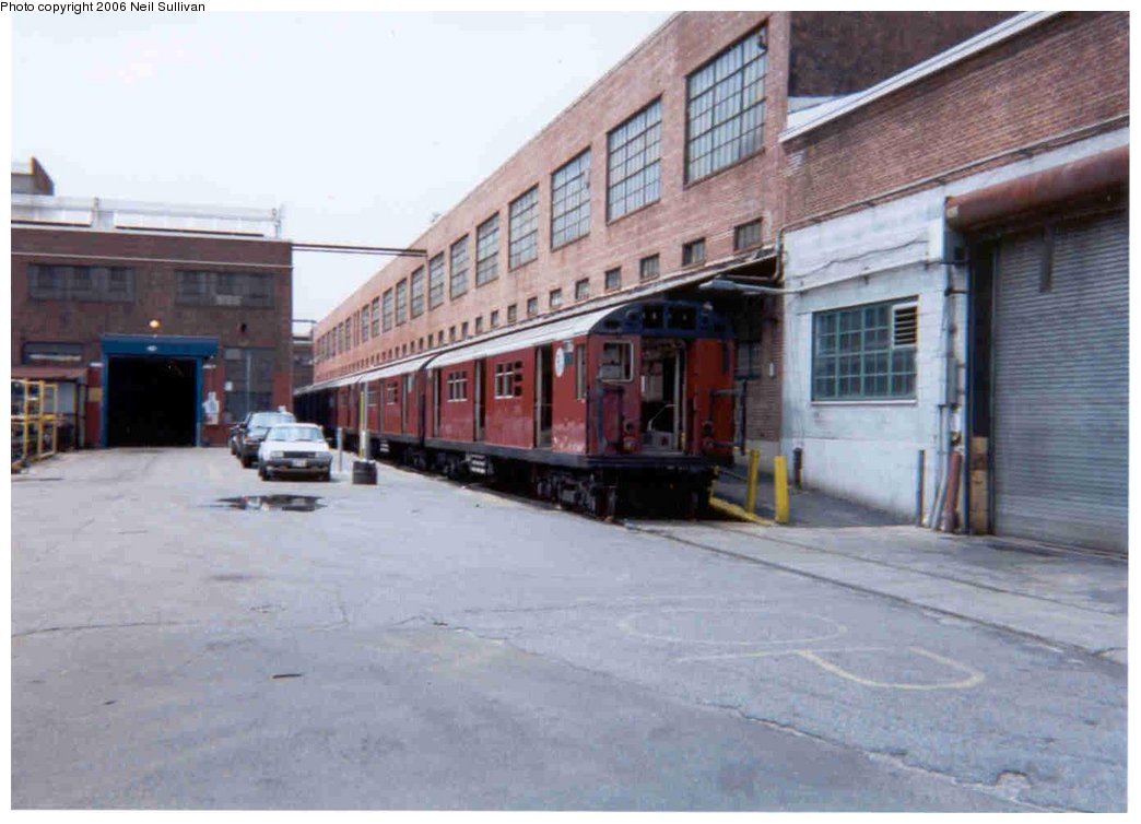 (124k, 1044x754)<br><b>Country:</b> United States<br><b>City:</b> New York<br><b>System:</b> New York City Transit<br><b>Location:</b> 207th Street Yard<br><b>Photo by:</b> Neil Sullivan<br><b>Date:</b> 7/2001<br><b>Viewed (this week/total):</b> 0 / 3067