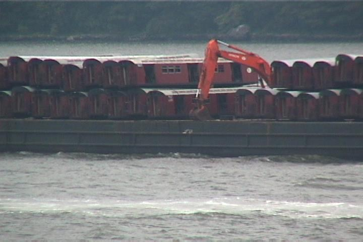 (37k, 720x480)<br><b>Country:</b> United States<br><b>City:</b> New York<br><b>System:</b> New York City Transit<br><b>Location:</b> Barge on Hudson River<br><b>Photo by:</b> Danny Burstein<br><b>Date:</b> 8/25/2002<br><b>Viewed (this week/total):</b> 1 / 3572