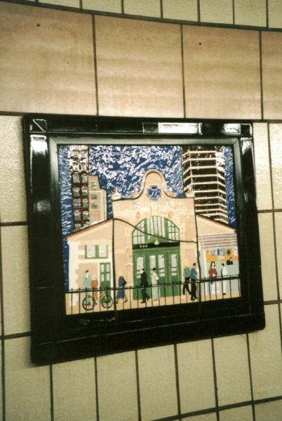 (42k, 402x600)<br><b>Country:</b> United States<br><b>City:</b> New York<br><b>System:</b> New York City Transit<br><b>Line:</b> IRT West Side Line<br><b>Location:</b> 86th Street <br><b>Photo by:</b> David of Broadway<br><b>Date:</b> 1/6/2002<br><b>Artwork:</b> <i>Westside Views</i>, Nitza Tufino (1989).<br><b>Viewed (this week/total):</b> 0 / 3292