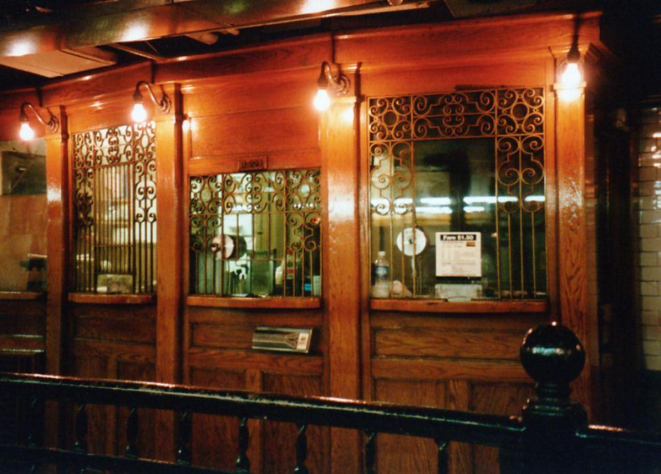 (100k, 950x682)<br><b>Country:</b> United States<br><b>City:</b> New York<br><b>System:</b> New York City Transit<br><b>Line:</b> IRT East Side Line<br><b>Location:</b> Wall Street <br><b>Photo by:</b> David of Broadway<br><b>Date:</b> 5/2001<br><b>Viewed (this week/total):</b> 1 / 5784