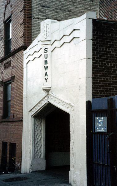 (38k, 378x600)<br><b>Country:</b> United States<br><b>City:</b> New York<br><b>System:</b> New York City Transit<br><b>Line:</b> IND 8th Avenue Line<br><b>Location:</b> 181st Street <br><b>Photo by:</b> David of Broadway<br><b>Date:</b> 4/1/2002<br><b>Viewed (this week/total):</b> 4 / 3966