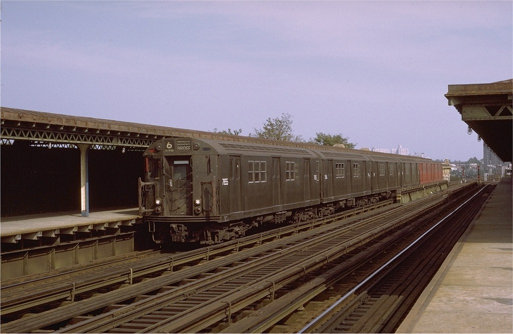 (183k, 1024x668)<br><b>Country:</b> United States<br><b>City:</b> New York<br><b>System:</b> New York City Transit<br><b>Line:</b> IRT Pelham Line<br><b>Location:</b> Westchester Square <br><b>Route:</b> 6<br><b>Car:</b> R-26 (American Car & Foundry, 1959-60) 7855 <br><b>Photo by:</b> Joe Testagrose<br><b>Date:</b> 10/17/1971<br><b>Viewed (this week/total):</b> 0 / 3223