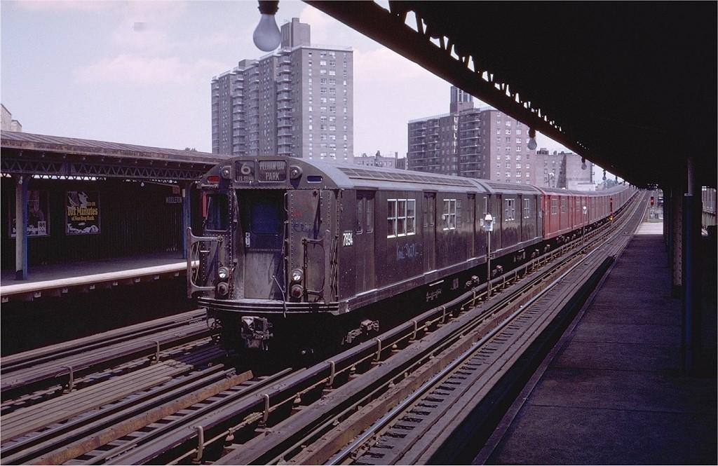 (208k, 1024x665)<br><b>Country:</b> United States<br><b>City:</b> New York<br><b>System:</b> New York City Transit<br><b>Line:</b> IRT Pelham Line<br><b>Location:</b> Middletown Road <br><b>Route:</b> 6<br><b>Car:</b> R-28 (American Car & Foundry, 1960-61) 7894 <br><b>Photo by:</b> Steve Zabel<br><b>Collection of:</b> Joe Testagrose<br><b>Date:</b> 7/23/1972<br><b>Viewed (this week/total):</b> 0 / 3377