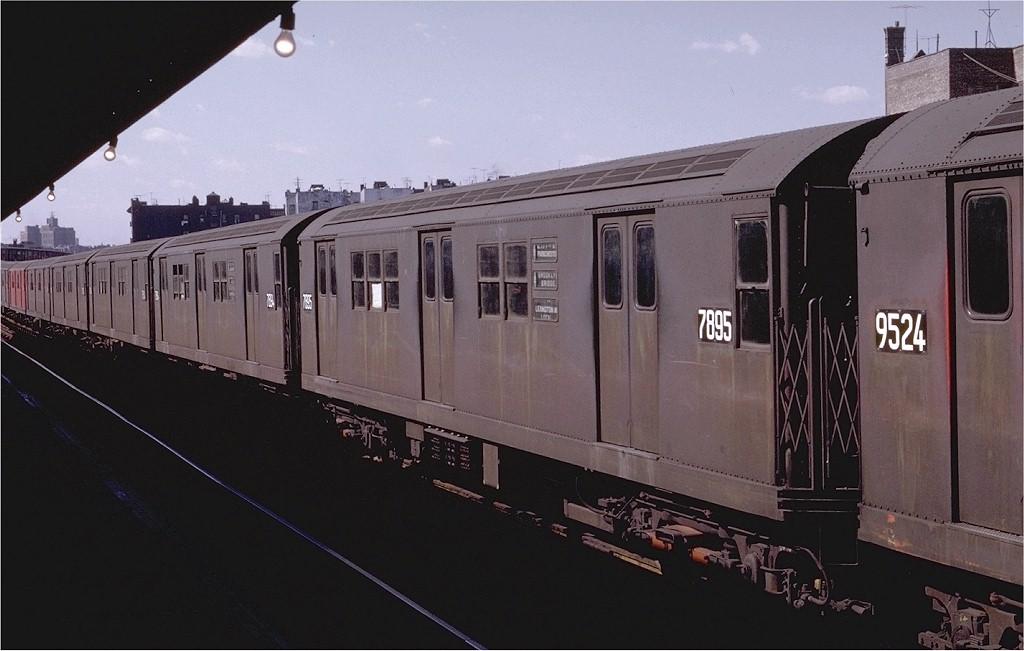 (150k, 1024x651)<br><b>Country:</b> United States<br><b>City:</b> New York<br><b>System:</b> New York City Transit<br><b>Line:</b> IRT Pelham Line<br><b>Location:</b> Morrison/Soundview Aves. <br><b>Route:</b> 6<br><b>Car:</b> R-28 (American Car & Foundry, 1960-61) 7895 <br><b>Photo by:</b> Joe Testagrose<br><b>Date:</b> 10/18/1969<br><b>Viewed (this week/total):</b> 2 / 3122