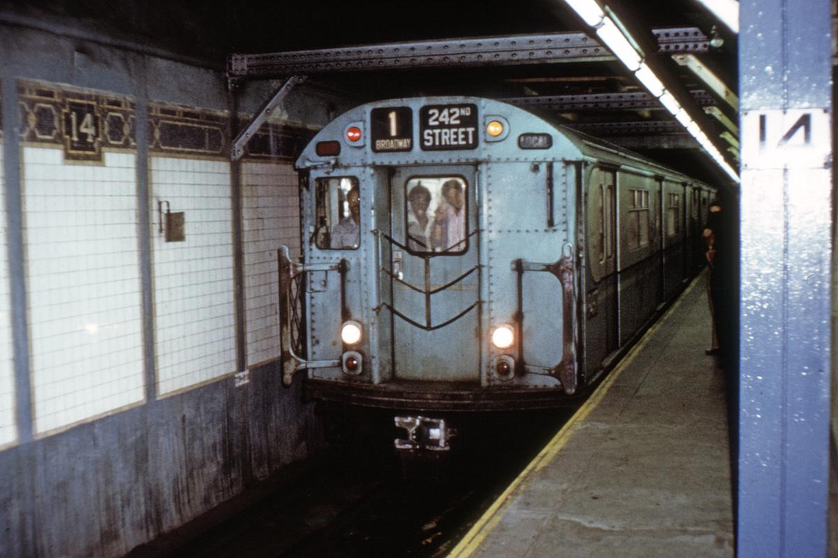 (405k, 1200x800)<br><b>Country:</b> United States<br><b>City:</b> New York<br><b>System:</b> New York City Transit<br><b>Line:</b> IRT West Side Line<br><b>Location:</b> 14th Street<br><b>Route:</b> 1<br><b>Car:</b> R-36 World's Fair (St. Louis, 1963-64) 9517 <br><b>Collection of:</b> David Pirmann<br><b>Viewed (this week/total):</b> 0 / 5850