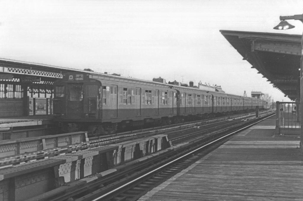 (313k, 1044x707)<br><b>Country:</b> United States<br><b>City:</b> New York<br><b>System:</b> New York City Transit<br><b>Line:</b> BMT Culver Line<br><b>Location:</b> Ditmas Avenue <br><b>Route:</b> D<br><b>Car:</b> R-4 (American Car & Foundry, 1932-1933) 502 <br><b>Collection of:</b> David Pirmann<br><b>Viewed (this week/total):</b> 3 / 3317