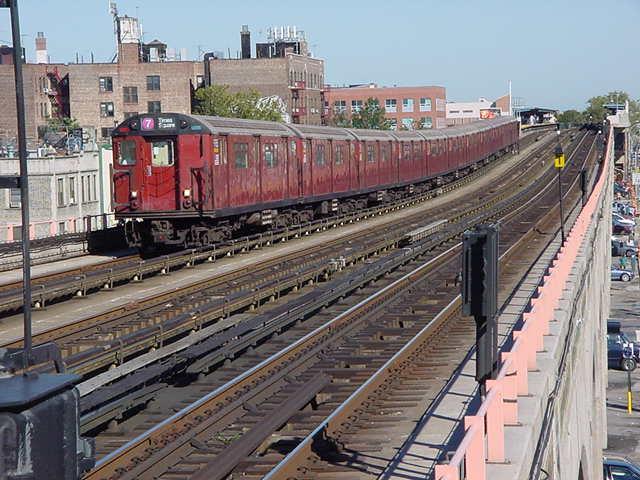 (60k, 640x480)<br><b>Country:</b> United States<br><b>City:</b> New York<br><b>System:</b> New York City Transit<br><b>Line:</b> IRT Flushing Line<br><b>Location:</b> 40th Street/Lowery Street <br><b>Route:</b> 7<br><b>Car:</b> R-36 World's Fair (St. Louis, 1963-64)  <br><b>Photo by:</b> Salaam Allah<br><b>Date:</b> 9/18/2002<br><b>Viewed (this week/total):</b> 1 / 4290