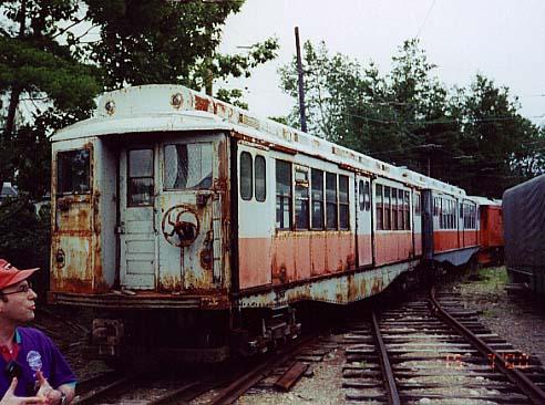 (53k, 492x366)<br><b>Country:</b> United States<br><b>City:</b> Kennebunk, ME<br><b>System:</b> Seashore Trolley Museum <br><b>Car:</b> MBTA 0900 Series (Wason, 1928) 0997 <br><b>Photo by:</b> Thurston Clark<br><b>Date:</b> 7/15/2000<br><b>Notes:</b> Boston Orange Line #10 El cars #0997 & 1000, mfg 1928 by Watson & Todd<br><b>Viewed (this week/total):</b> 0 / 2609