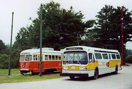 (34k, 427x288)<br><b>Country:</b> United States<br><b>City:</b> Kennebunk, ME<br><b>System:</b> Seashore Trolley Museum <br><b>Photo by:</b> Thurston Clark<br><b>Date:</b> 7/15/2000<br><b>Notes:</b> Boston PCC/Dallas Car & GM Fishbowl #6129<br><b>Viewed (this week/total):</b> 0 / 4160