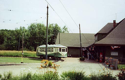 (38k, 510x329)<br><b>Country:</b> United States<br><b>City:</b> Kennebunk, ME<br><b>System:</b> Seashore Trolley Museum <br><b>Car:</b> Dallas Railway & Terminal 434 <br><b>Photo by:</b> Thurston Clark<br><b>Date:</b> 7/15/2000<br><b>Notes:</b> Dallas #434 in former Arlington Heights Loop<br><b>Viewed (this week/total):</b> 2 / 1796
