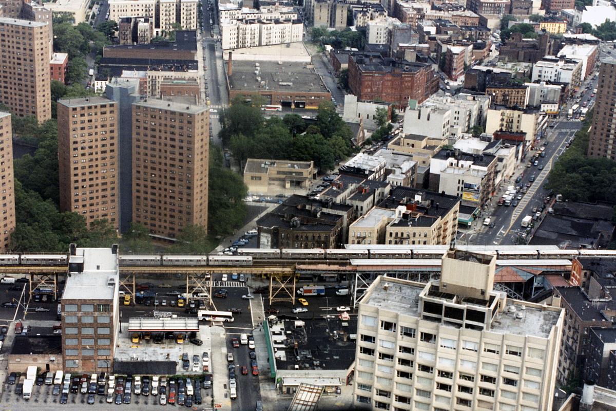 (726k, 1024x683)<br><b>Country:</b> United States<br><b>City:</b> New York<br><b>System:</b> New York City Transit<br><b>Line:</b> IRT West Side Line<br><b>Location:</b> 125th Street <br><b>Photo by:</b> Todd Glickman<br><b>Viewed (this week/total):</b> 0 / 4013
