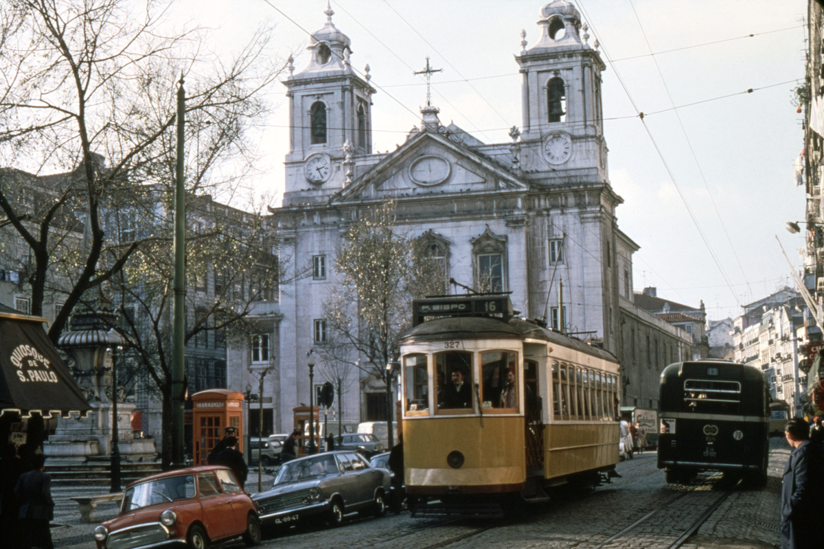 (430k, 1024x683)<br><b>Country:</b> Portugal<br><b>City:</b> Lisbon<br><b>System:</b> Companhia Carris De Ferro De Lisboa <br><b>Route:</b> Rt. 16<br><b>Car:</b> Carros Americanos 4-axle (Brill, 1906)  327 <br><b>Collection of:</b> David Pirmann<br><b>Date:</b> 3/1979<br><b>Viewed (this week/total):</b> 1 / 1880