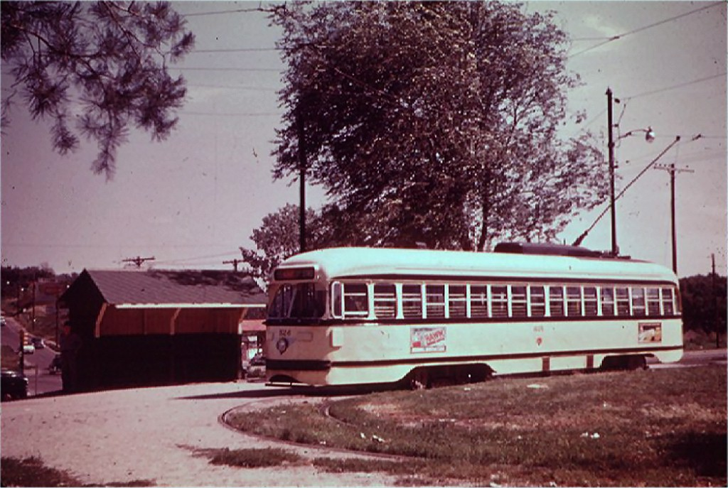 (186k, 1024x687)<br><b>Country:</b> United States<br><b>City:</b> Kansas City, MO<br><b>System:</b> Kansas City Public Service<br><b>Location:</b> Swope Park<br><b>Car:</b> PCC 526 <br><b>Collection of:</b> Joe Testagrose<br><b>Date:</b> 1954<br><b>Viewed (this week/total):</b> 1 / 1647