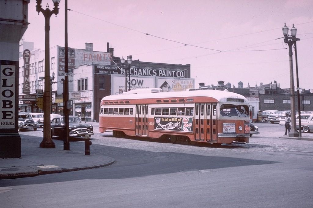 (171k, 1024x682)<br><b>Country:</b> United States<br><b>City:</b> St. Louis, MO<br><b>System:</b> St. Louis Public Service<br><b>Route:</b> Hodiamont Line<br><b>Car:</b> PCC 1659 <br><b>Collection of:</b> Joe Testagrose<br><b>Date:</b> 7/8/1961<br><b>Viewed (this week/total):</b> 1 / 12572