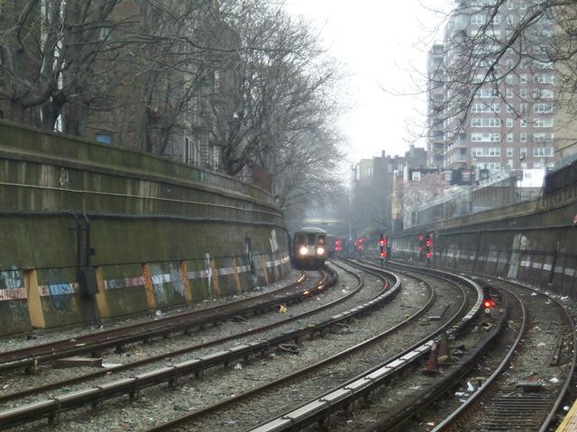 (61k, 640x480)<br><b>Country:</b> United States<br><b>City:</b> New York<br><b>System:</b> New York City Transit<br><b>Line:</b> BMT Brighton Line<br><b>Location:</b> Parkside Avenue <br><b>Car:</b> R-68/R-68A Series (Number Unknown)  <br><b>Photo by:</b> Brian Weinberg<br><b>Date:</b> 4/12/2001<br><b>Viewed (this week/total):</b> 5 / 9263