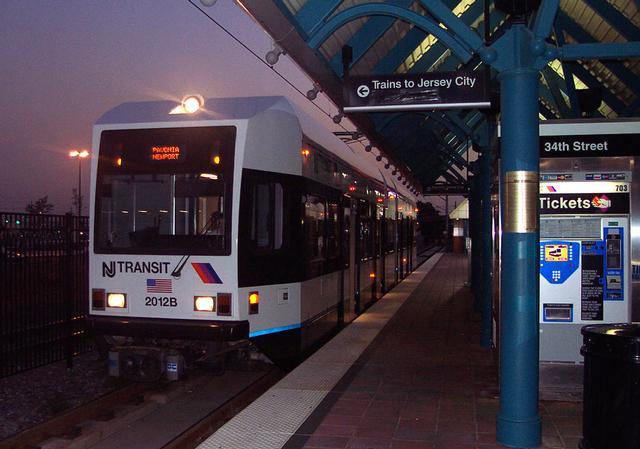 (45k, 640x449)<br><b>Country:</b> United States<br><b>City:</b> Bayonne, NJ<br><b>System:</b> Hudson Bergen Light Rail<br><b>Location:</b> East 34th Street <br><b>Car:</b> NJT-HBLR LRV (Kinki-Sharyo, 1998-99)  2012 <br><b>Photo by:</b> Michael Pompili<br><b>Date:</b> 10/3/2001<br><b>Viewed (this week/total):</b> 0 / 5028