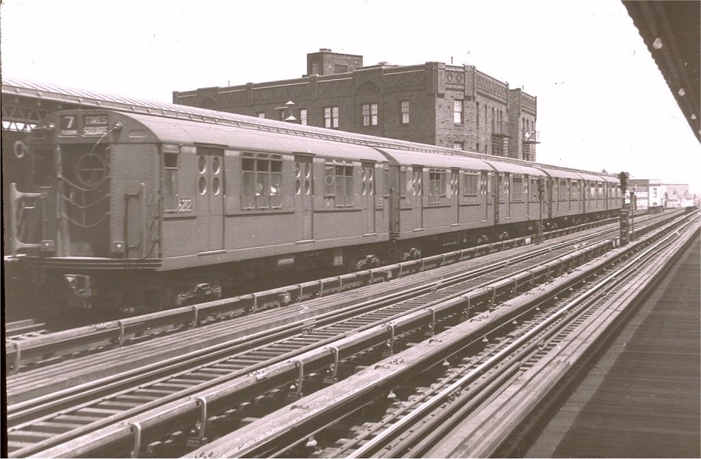 (186k, 1024x671)<br><b>Country:</b> United States<br><b>City:</b> New York<br><b>System:</b> New York City Transit<br><b>Line:</b> IRT Flushing Line<br><b>Location:</b> 52nd Street/Lincoln Avenue <br><b>Route:</b> 7<br><b>Car:</b> R-15 (American Car & Foundry, 1950) 6202 <br><b>Photo by:</b> Harry Pinsker<br><b>Date:</b> 6/2/1960<br><b>Viewed (this week/total):</b> 1 / 4257
