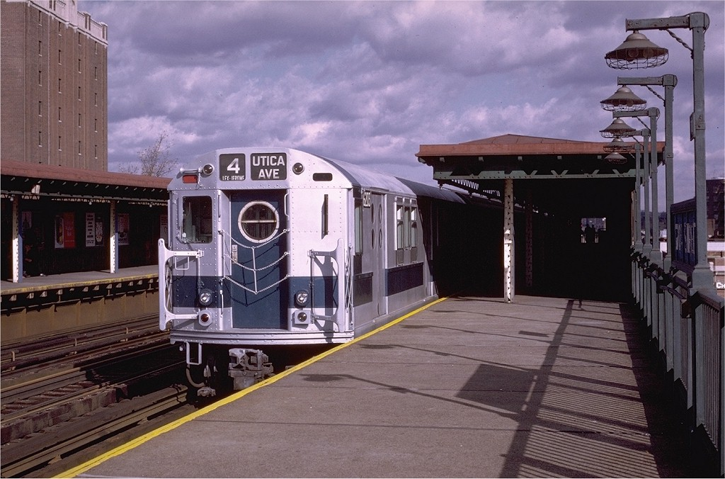 (200k, 1024x676)<br><b>Country:</b> United States<br><b>City:</b> New York<br><b>System:</b> New York City Transit<br><b>Line:</b> IRT Woodlawn Line<br><b>Location:</b> 170th Street <br><b>Route:</b> 4<br><b>Car:</b> R-15 (American Car & Foundry, 1950) 6203 <br><b>Photo by:</b> Joe Testagrose<br><b>Date:</b> 11/21/1970<br><b>Viewed (this week/total):</b> 6 / 2694