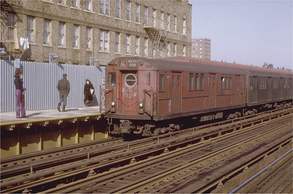 (249k, 1024x677)<br><b>Country:</b> United States<br><b>City:</b> New York<br><b>System:</b> New York City Transit<br><b>Line:</b> IRT White Plains Road Line<br><b>Location:</b> Allerton Avenue <br><b>Route:</b> 2<br><b>Car:</b> R-15 (American Car & Foundry, 1950) 6210 <br><b>Photo by:</b> Joe Testagrose<br><b>Date:</b> 2/6/1971<br><b>Viewed (this week/total):</b> 0 / 3799